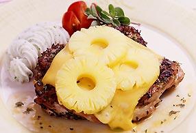 チキンとベビーパインのチーズグリル