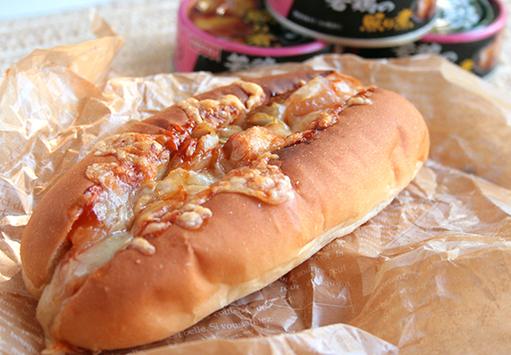 鶏の照り煮 de チーズタッカルビドッグ