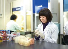 微生物検査室